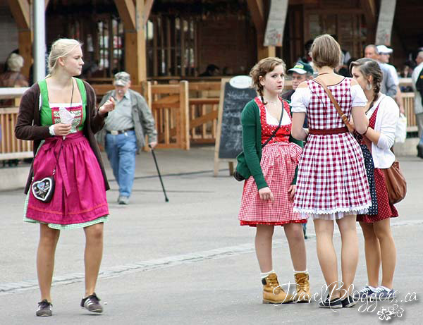 Oktoberfest Maidens