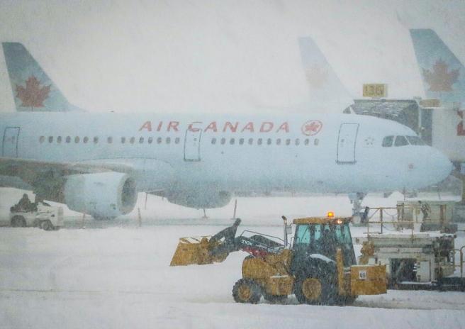 Flight Delay, Flight Cancellation, TravelBloggers.ca