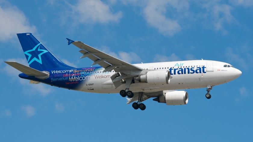 AirTransat Plane,TravelBloggers.ca. @Travelbloggerz